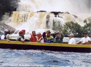 fidel_viaje-a-venezuela01_12-de-agosto-2001-580x431