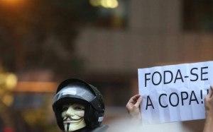 miles-protestan-en-todo-brasil-en-plena-copa