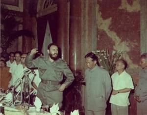 Fidel-en-la-Cena-de-Bienvenida-en-Viet-Nam-12-de-septiembre-de-1973-580x455