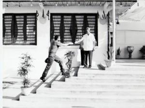 Fidel-llega-a-la-cabaña-de-Phan-Van-Dong-1973-septiembre-580x432