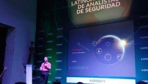 Dmitry_Bestuzhev-cumbre_analistas_seguridad-cartagena_colombia-machete-ciberespionaje