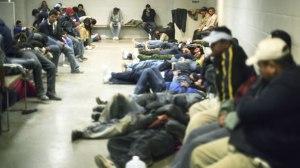 inmigrantes-ilegales-en-un-centro-de-detencin-de-arizona