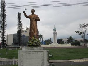 Monumento_Divino_Salvador_del_Mundo_y_Monseñor_Romero