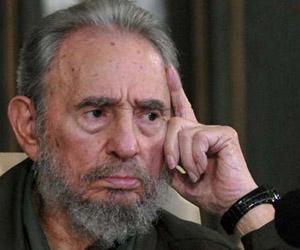 (((CORRIGE CARGO))) HAB301. LA HABANA (CUBA), 10/09/2010.- El ex presidente cubano Fidel Castro asiste a la presentación de su libro