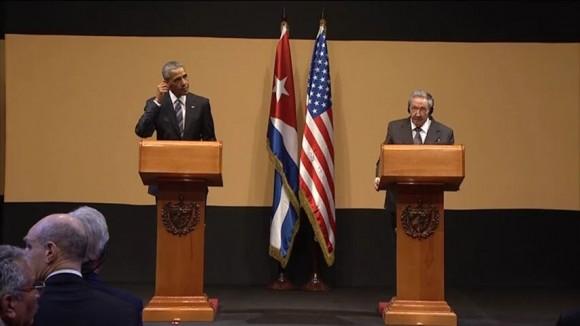 Obama-y-Raúl-en-conferencia-de-prensa-580x326